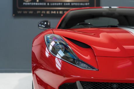 Ferrari 812 Superfast 6.5 V12. CARBON FIBRE DRIVER ZONE WITH LEDS. PASSENGER DISPLAY. FULL PPF. 31