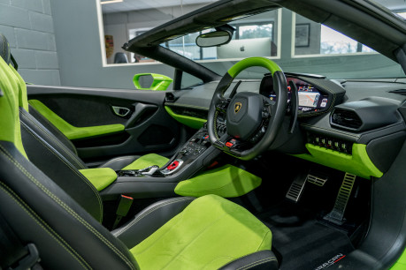 Lamborghini Huracan SPYDER. 5.2 V10. NOW SOLD, SIMILAR REQUIRED. PLEASE CALL 01903 254 800 25