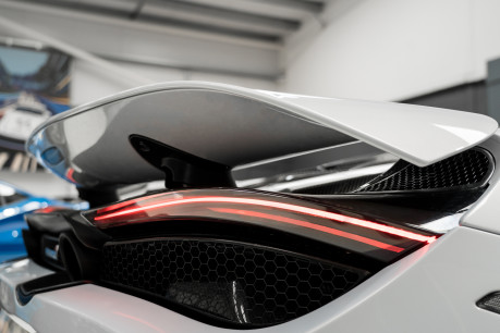 McLaren 720S PERFORMANCE. NOW SOLD, SIMILAR REQUIRED. PLEASE CALL 01903 254800 19