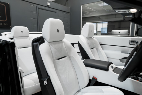 Rolls-Royce Dawn 6.6 V12. ULTIMATE COLOUR COMBINATION & SPECIFICATION. 1 OWNER FROM NEW. 25