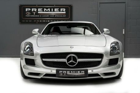 Mercedes-Benz SLS AMG. 6.2 V8. GREAT SPECIFICATION. EXCLUSIVE RED LEATHER. B & O BEOSOUND. 2