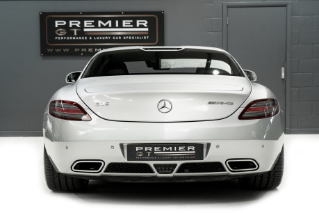 Mercedes-Benz SLS AMG. 6.2 V8. GREAT SPECIFICATION. EXCLUSIVE RED LEATHER. B & O BEOSOUND. 9