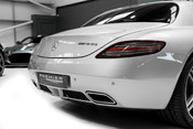 Mercedes-Benz SLS AMG. 6.2 V8. GREAT SPECIFICATION. EXCLUSIVE RED LEATHER. B & O BEOSOUND. 13