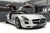 Mercedes-Benz SLS AMG. 6.2 V8. GREAT SPECIFICATION. EXCLUSIVE RED LEATHER. B & O BEOSOUND. 34