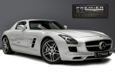 Mercedes-Benz SLS AMG. 6.2 V8. GREAT SPECIFICATION. EXCLUSIVE RED LEATHER. B & O BEOSOUND. 1
