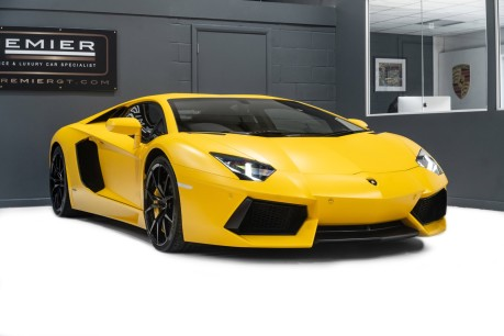 Lamborghini Aventador LP700-4 6.5 V12 COUPE. GREAT SPEC. £10K OPTIONAL PAINT. GLASS ENGINE COVER. 10