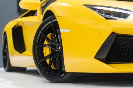 Lamborghini Aventador LP700-4 6.5 V12 COUPE. GREAT SPEC. £10K OPTIONAL PAINT. GLASS ENGINE COVER. 12