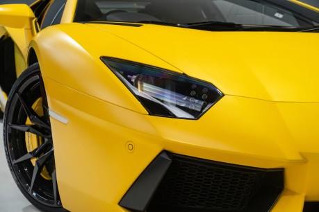 Lamborghini Aventador LP700-4 6.5 V12 COUPE. GREAT SPEC. £10K OPTIONAL PAINT. GLASS ENGINE COVER. 16