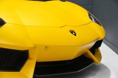 Lamborghini Aventador LP700-4 6.5 V12 COUPE. GREAT SPEC. £10K OPTIONAL PAINT. GLASS ENGINE COVER. 19