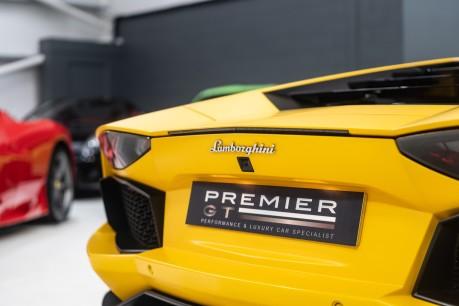 Lamborghini Aventador LP700-4 6.5 V12 COUPE. GREAT SPEC. £10K OPTIONAL PAINT. GLASS ENGINE COVER. 28