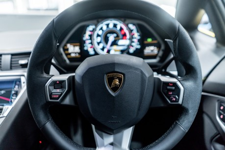 Lamborghini Aventador LP700-4 6.5 V12 COUPE. GREAT SPEC. £10K OPTIONAL PAINT. GLASS ENGINE COVER. 45