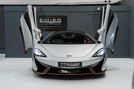 McLaren 570S V8 3.8 SSG. VEHICLE LIFT SYSTEM. REAR CAMERA. MCLAREN WARRANTY UNTIL 2022 3