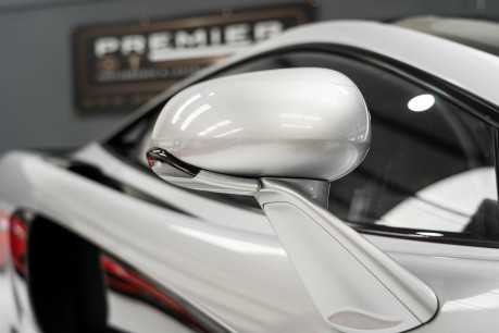 McLaren 570S V8 3.8 SSG. VEHICLE LIFT SYSTEM. REAR CAMERA. MCLAREN WARRANTY UNTIL 2022 19