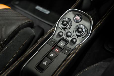 McLaren 570S V8 3.8 SSG. VEHICLE LIFT SYSTEM. REAR CAMERA. MCLAREN WARRANTY UNTIL 2022 42