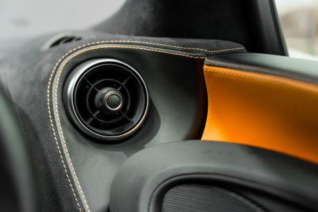 McLaren 570S V8 3.8 SSG. VEHICLE LIFT SYSTEM. REAR CAMERA. MCLAREN WARRANTY UNTIL 2022 46