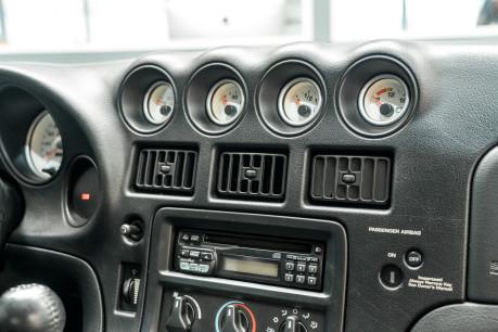 Dodge Viper GTS. 8.0 V10. LIMITED RUN PAINTWORK. SPORT SUSPENSION. RARE MODEL. 41