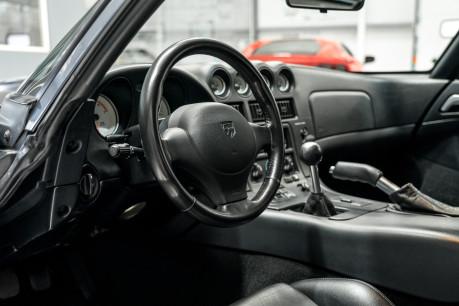 Dodge Viper GTS. 8.0 V10. LIMITED RUN PAINTWORK. SPORT SUSPENSION. RARE MODEL. 36