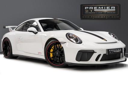 Porsche 911 GT3. 6-SPEED MANUAL. CLUBSPORT PACK. FRONT-AXLE LIFT. PCCBS. REAR CAMERA.