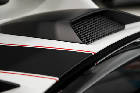 Porsche 911 GT3. 6-SPEED MANUAL. CLUBSPORT PACK. FRONT-AXLE LIFT. PCCBS. REAR CAMERA. 2