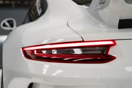 Porsche 911 GT3. 6-SPEED MANUAL. CLUBSPORT PACK. FRONT-AXLE LIFT. PCCBS. REAR CAMERA. 4