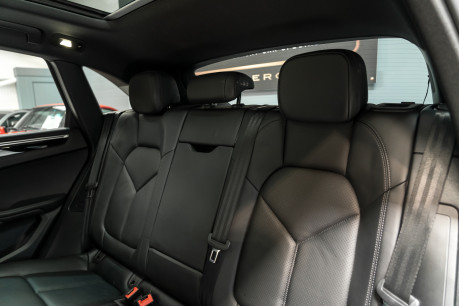 Porsche Macan S D 3.0 V6 PDK. HUGE SPECIFICATION. NOW SOLD. SIMILAR VEHICLES REQUIRED. 40