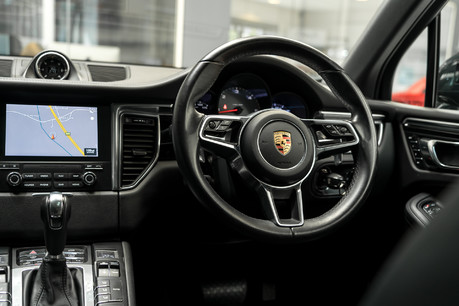 Porsche Macan S D 3.0 V6 PDK. HUGE SPECIFICATION. NOW SOLD. SIMILAR VEHICLES REQUIRED. 4