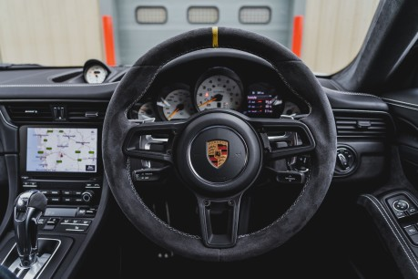 Porsche 911 GT3 RS 4.0 PDK. 991.2. CLUBSPORT PACK. PCCBS. FRONT AXLE LIFT. BOSE. 5