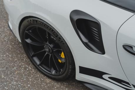Porsche 911 GT3 RS 4.0 PDK. 991.2. CLUBSPORT PACK. PCCBS. FRONT AXLE LIFT. BOSE. 10