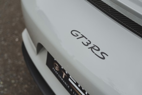 Porsche 911 GT3 RS 4.0 PDK. 991.2. CLUBSPORT PACK. PCCBS. FRONT AXLE LIFT. BOSE. 11