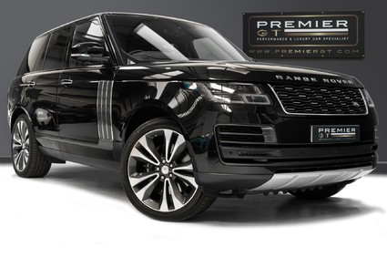 Land Rover Range Rover V8 SVAUTOBIOGRAPHY DYNAMIC. 1 OWNER FROM NEW. STUNNING SPECIFICATION.