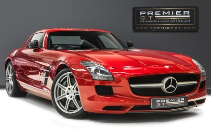Mercedes-Benz SLS AMG. 6.2 V8. LEMANS RED. CARBON INTERIOR PACK. B & O BEOSOUND. 1 OWNER.