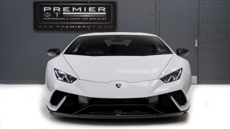Lamborghini Huracan LP640-4 5.2 V10 PERFORMANTE. FRONT LIFT SYSTEM. CARBON INTERIOR PACKAGE. 2