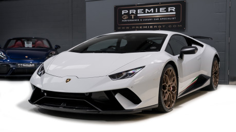 Lamborghini Huracan LP640-4 5.2 V10 PERFORMANTE. FRONT LIFT SYSTEM. CARBON INTERIOR PACKAGE. 3
