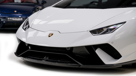 Lamborghini Huracan LP640-4 5.2 V10 PERFORMANTE. FRONT LIFT SYSTEM. CARBON INTERIOR PACKAGE. 29