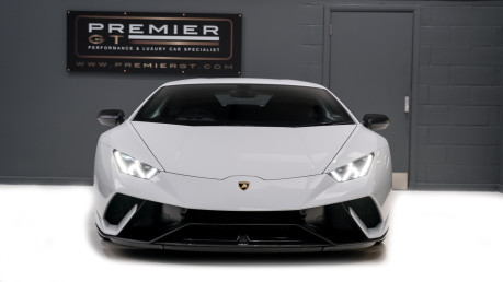 Lamborghini Huracan LP640-4 5.2 V10 PERFORMANTE. FRONT LIFT SYSTEM. CARBON INTERIOR PACKAGE. 32