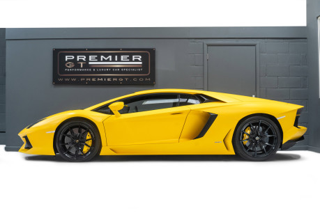 Lamborghini Aventador LP700-4 6.5 V12 COUPE, GREAT SPEC, £10K OPTIONAL PAINT, GLASS ENGINE COVER 5