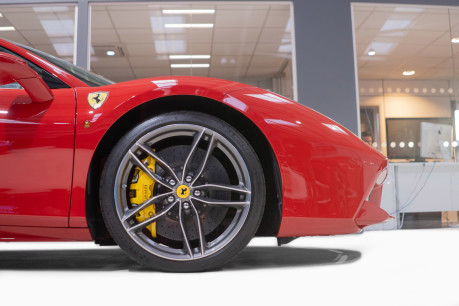 Ferrari 488 3.9 COUPE. FANTASTIC SPEC, FERRARI SERVICE PACK UNTIL 2023 9