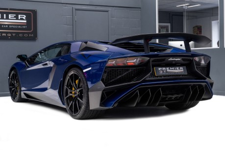 Lamborghini Aventador SV LP750-4 6.5 V12 COUPE, ONE OWNER FROM NEW, PART OF A PRIVATE COLLECTION 7