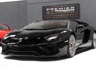Lamborghini Aventador S LP740-4 6.5 V12 COUPE, 1 OWNER, ONLY 1,100 MILES, INTERIOR CARBON PACK 3
