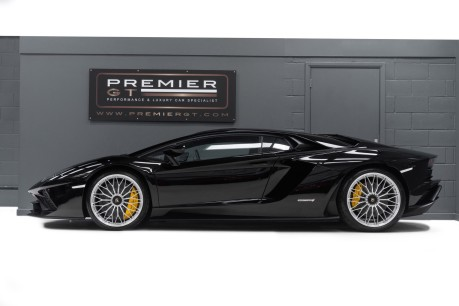 Lamborghini Aventador S LP740-4 6.5 V12 COUPE. NOW SOLD. CALL US TODAY TO SELL YOUR LAMBORGHINI. 5