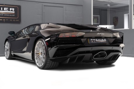 Lamborghini Aventador S LP740-4 6.5 V12 COUPE. NOW SOLD. CALL US TODAY TO SELL YOUR LAMBORGHINI. 8