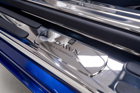 Rolls-Royce Dawn 6.6 V12 CONVERTIBLE, ROLLS ROYCE SERVICE PACK AND WARRANTY 39