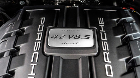 Porsche Cayenne S V8 D TIPTRONIC. NOW SOLD. CALL US TO SELL YOUR PORSCHE CAYENNE TODAY. 41