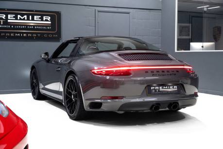 Porsche 911 TARGA 4 GTS 3.0 PDK, ONLY ONE FORMER KEEPER, PORSCHE WARRANTY TO DEC 2020 8