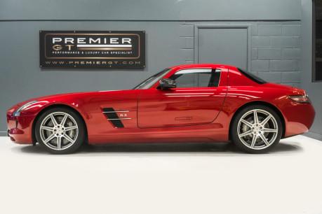 Mercedes-Benz SLS AMG. 6.2 V8. LEMANS RED. CARBON INTERIOR PACK. B & O BEOSOUND. 1 OWNER. 8