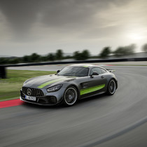 Mercedes-AMG GT R PRO: A worthy rival to the GT3 RS? 2