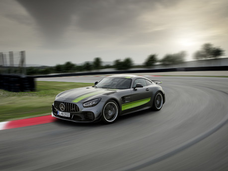Mercedes-AMG GT R PRO: A worthy rival to the GT3 RS?