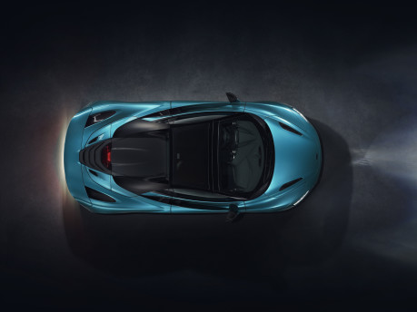 The McLaren 720S Spider is here: taking open air driving to the next level! 5