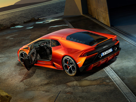 It's the supercar we've all been waiting for – say hello to the new Huracan Evo. 16