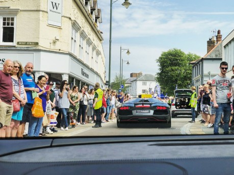 Sun & Supercars: Premier GT brings the noise to Horsham Piazza Italia 3